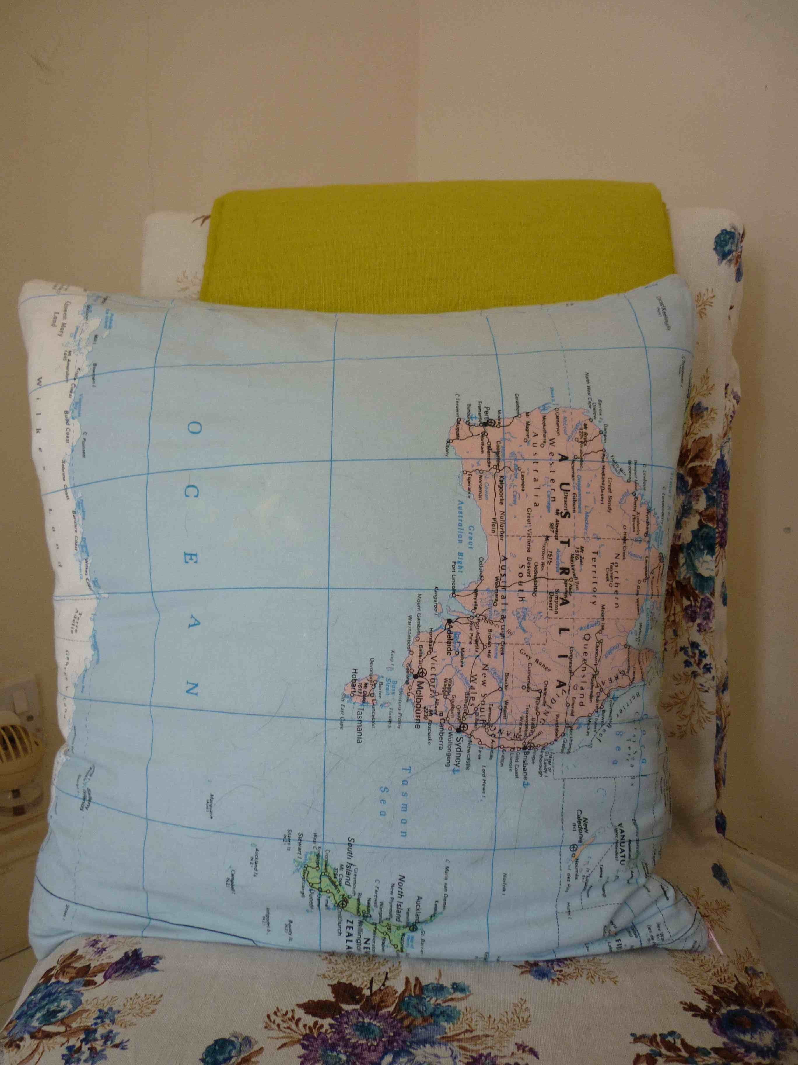 Multi map my friends house world map cushion gumiabroncs Images