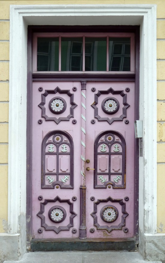 Tallinn scores of doors my friend 39 s house for House friend door