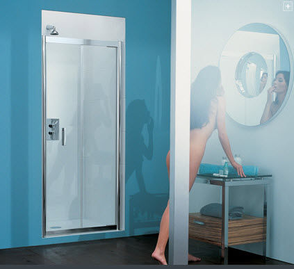 Matki folding shower screen