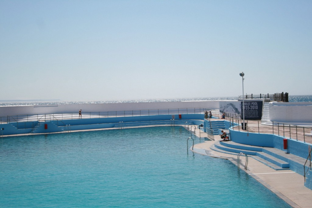 Video save the jubilee pool my friend 39 s house for Jubilee swimming pool timetable