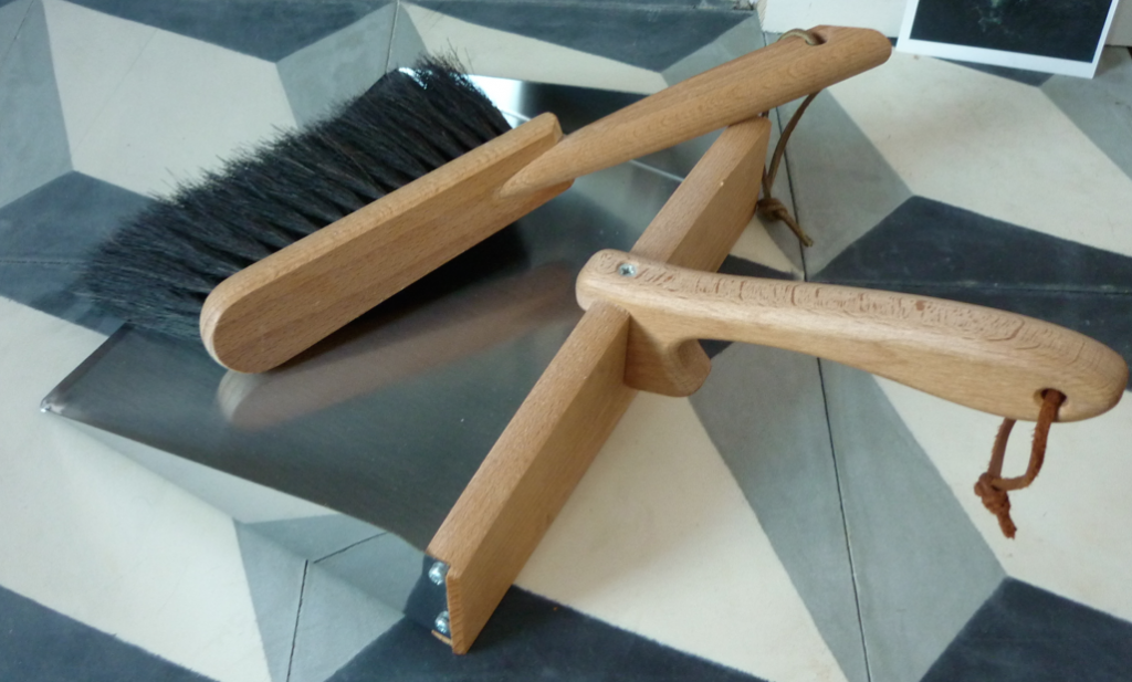 Wood steel dustpan brush
