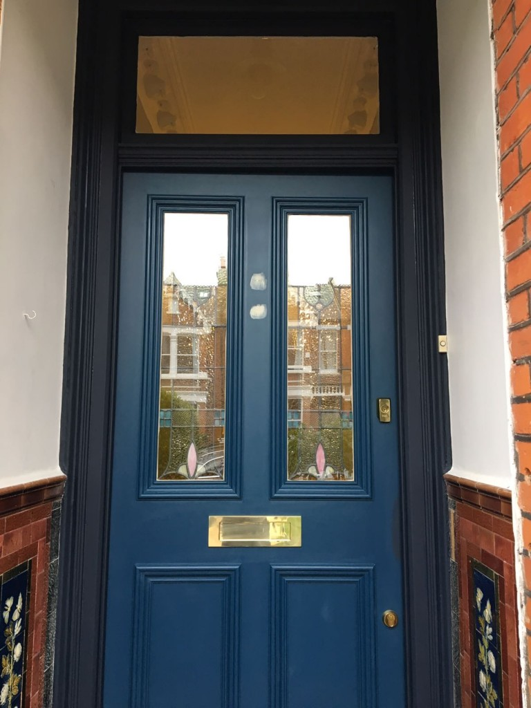 Door in navy