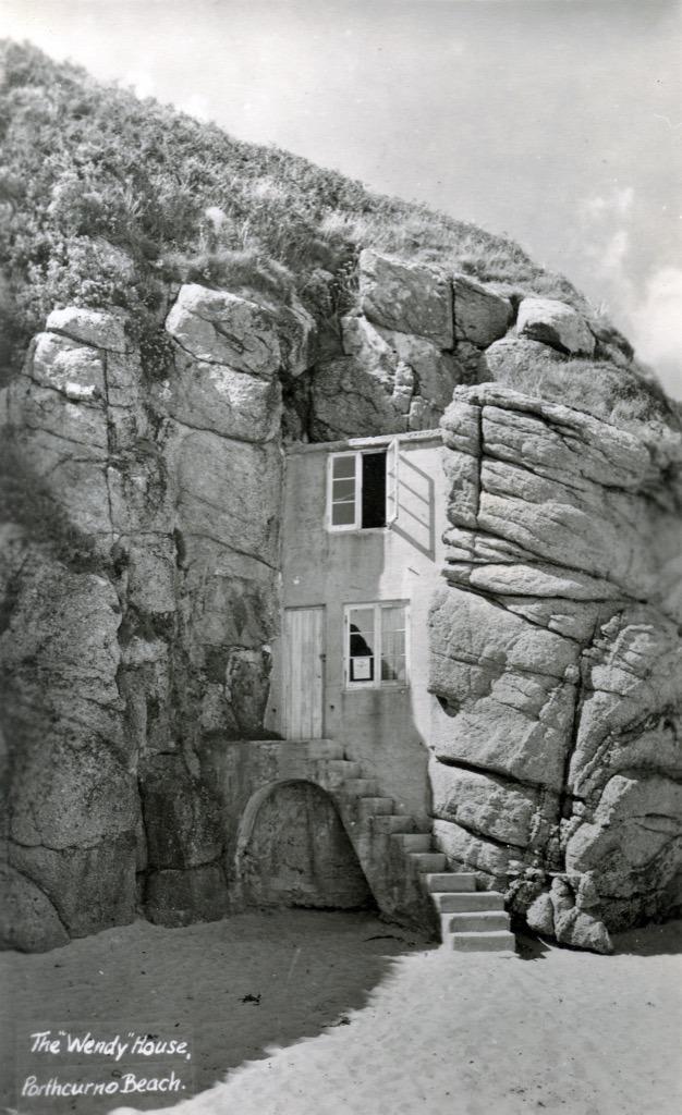 wendy house porthcurnoe